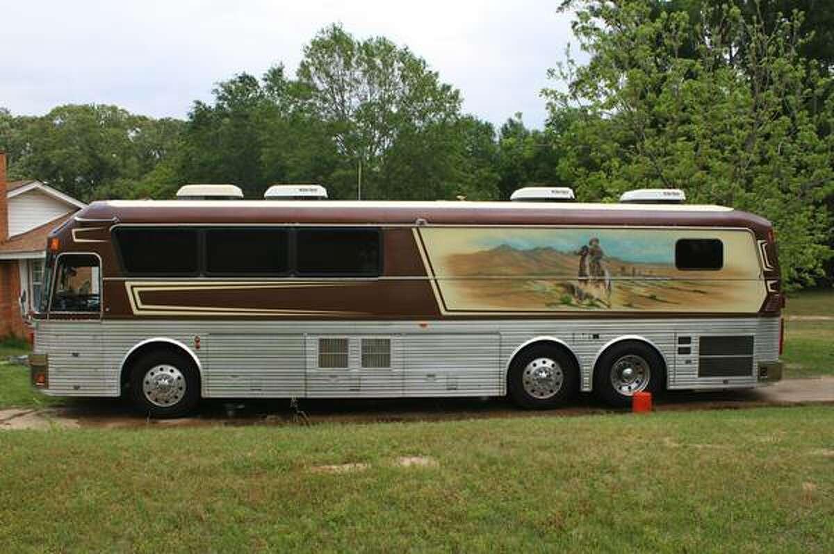 Willie Nelson Bands tour bus for sale on Craigslist - San