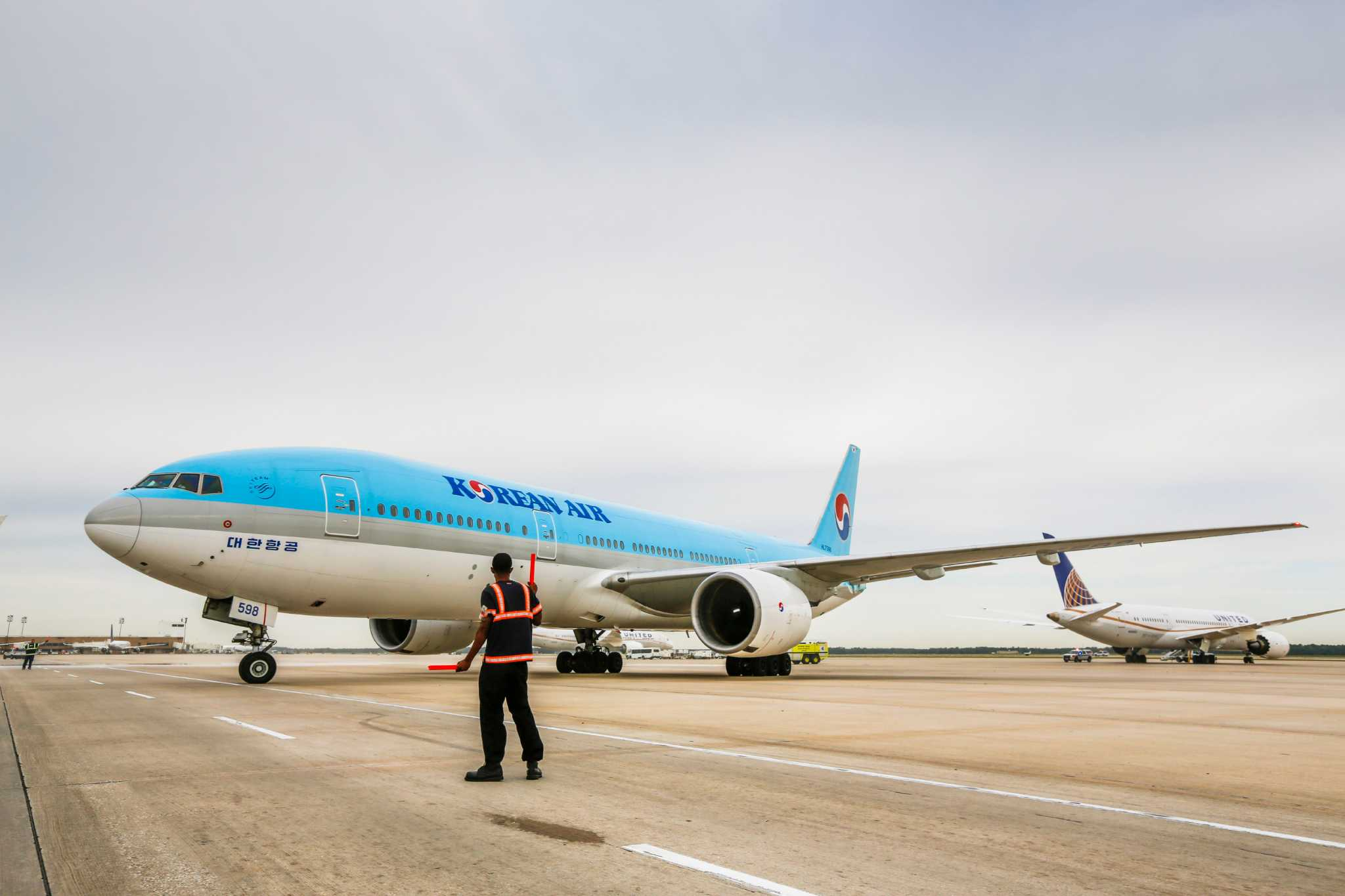 Korean Air S First Flight Takes Off From Intercontinental