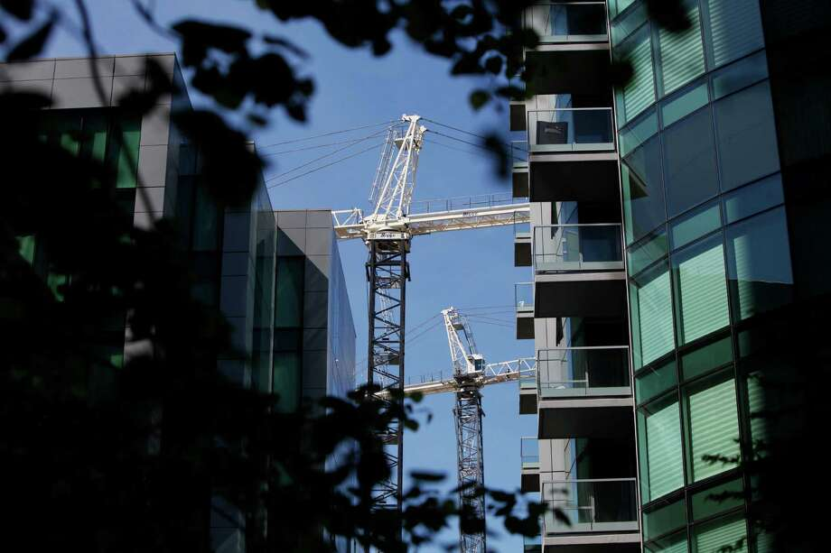 Construction cranes are seen from Infinity Towers looking toward Rincon Hill in April. Photo: Pete Kiehart / The Chronicle / ONLINE_YES