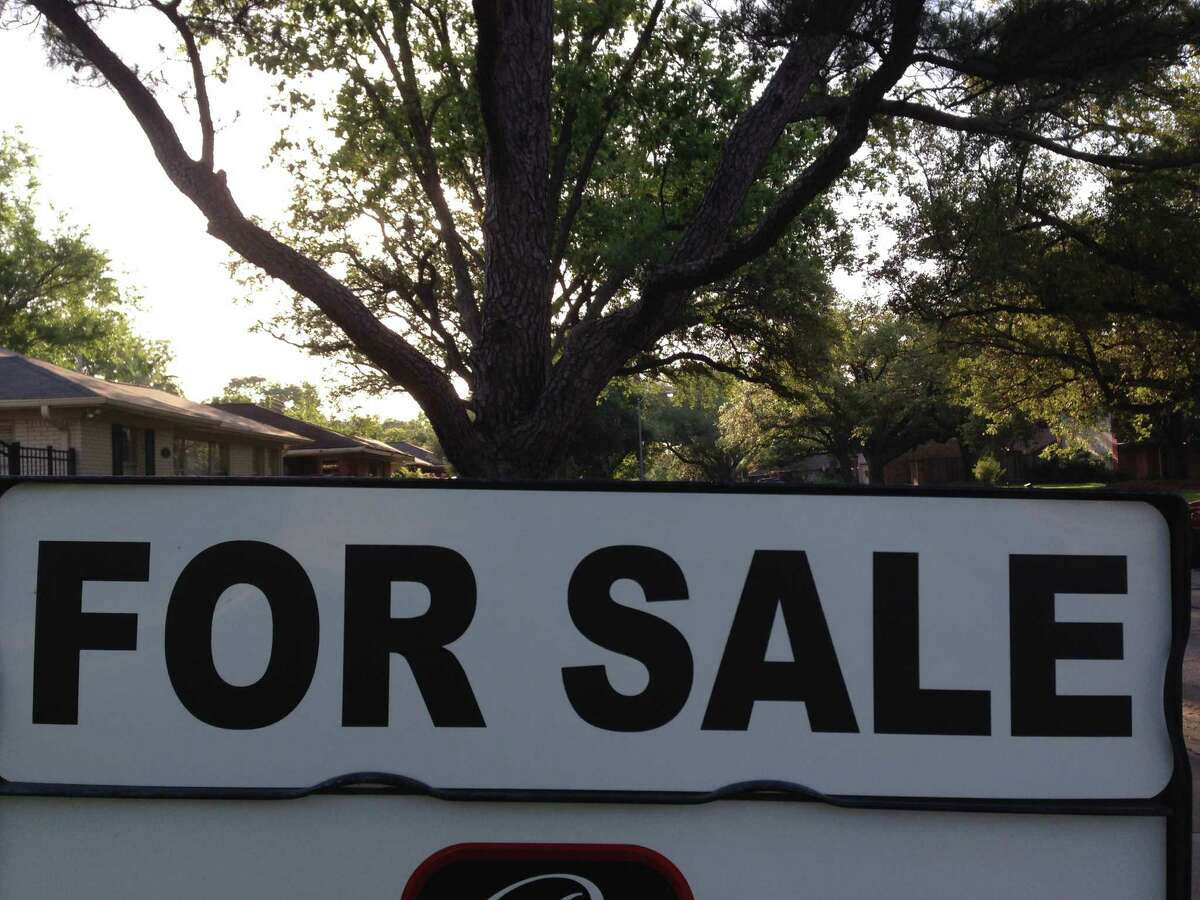 More than 73,000 buyers closed on homes in the Houston area in 2013, an 18 percent rise over 2012. Borrowers who are getting 30-year loans are paying about a point more than the recent low of 3.5 percent in late 2012, according to Bankrate.com.