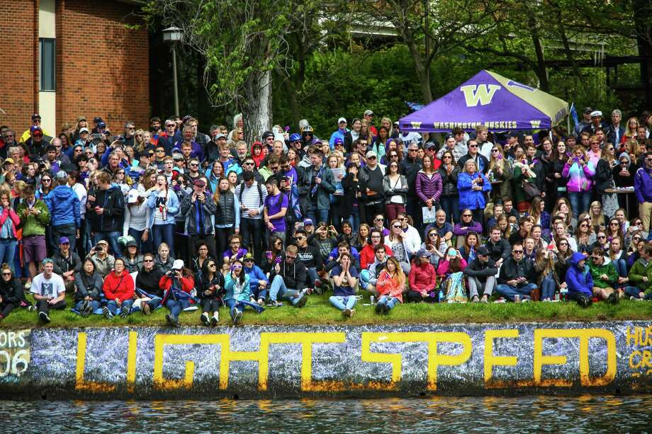 Spectators watch the action during the annual Windermere Cup Regatta. Photo: JOSHUA TRUJILLO, SEATTLEPI.COM / SEATTLEPI.COM