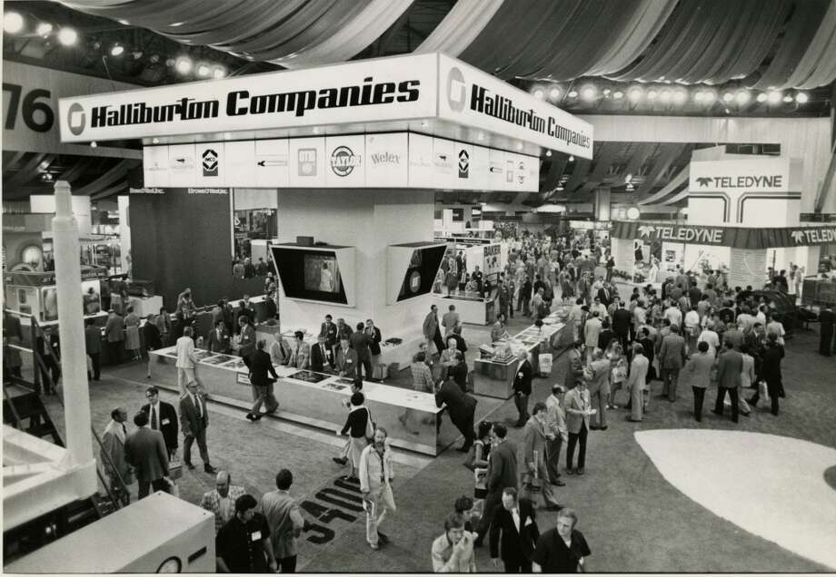 1976Attendance: 61,784  Space: 375,000 sf  Exhibiting companies: 1,500  [Photo: Thousands viewed exhibits are displayed at the 1976 Offshore Technology Conference.] Photo: Manuel Chavez, Houston Chronicle
