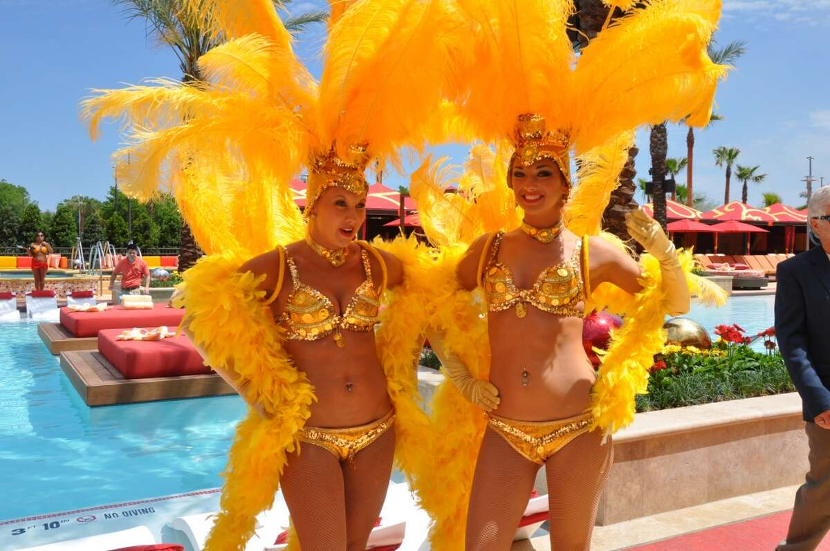 Golden Nugget showgirls