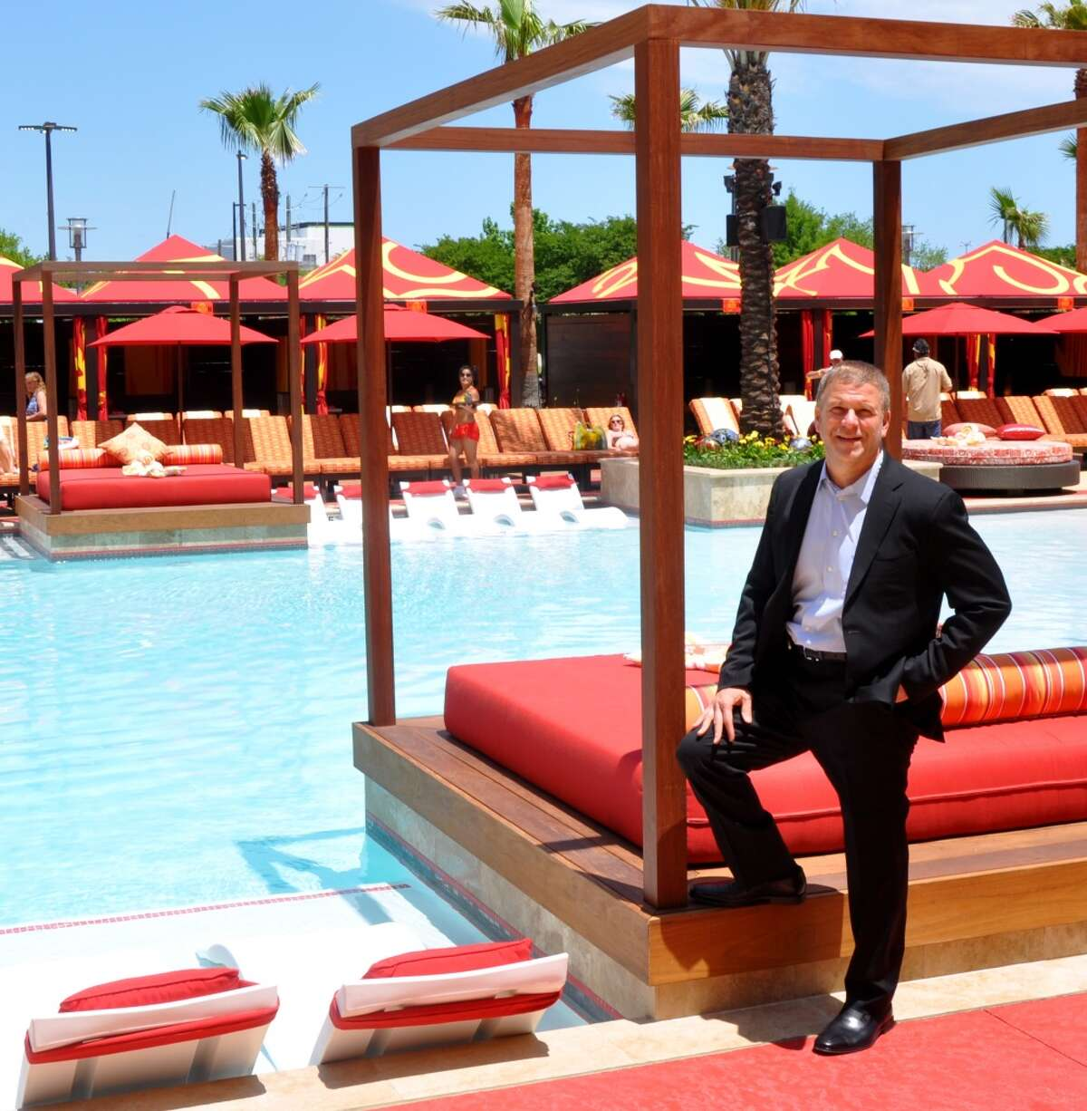 Tilman Fertitta helped design the palatial pool at Golden Nugget Biloxi. (Melissa Aguilar photos)