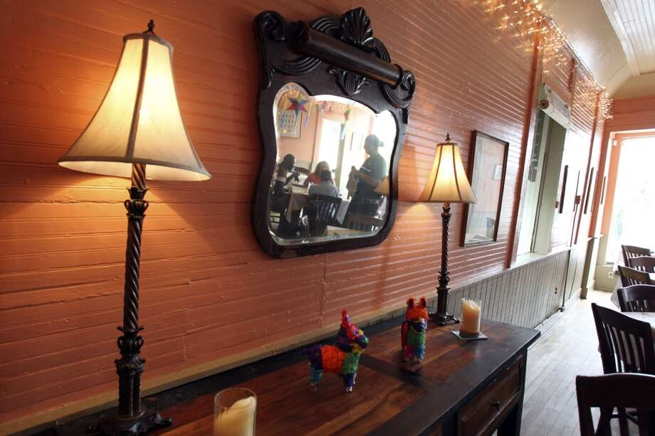 Minnie's Tavern when it was Boehler's in recent years. Photo: Tom Reel, Express-News