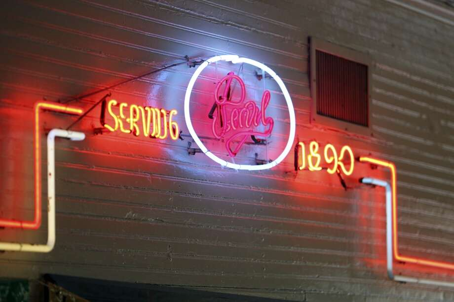 Minnie's Tavern when it was Boehler's in recent years. Photo: Tom Reel, Express-News