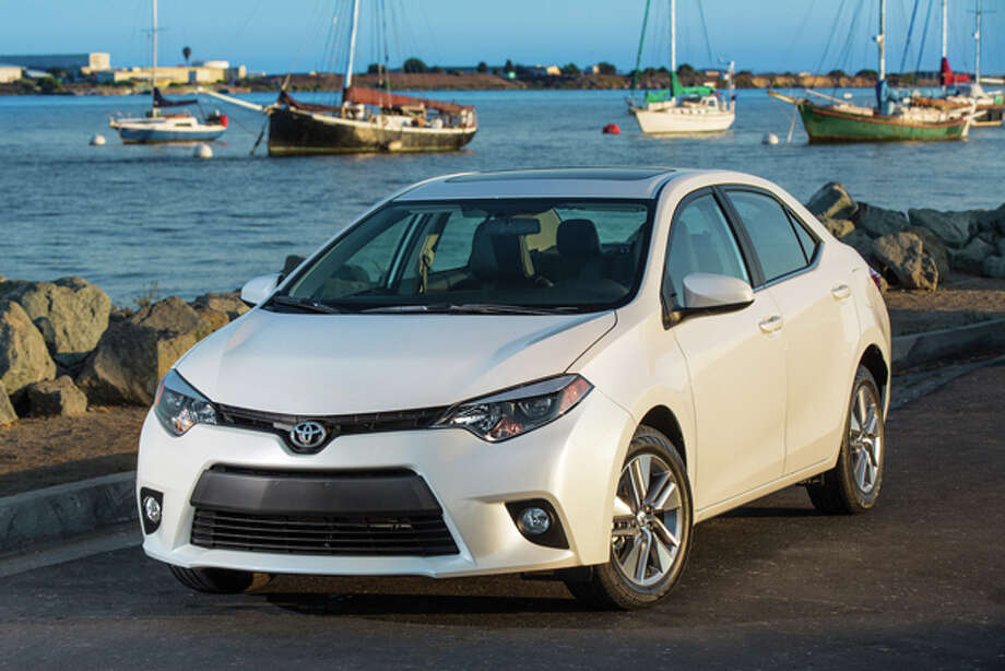 2014 Toyota Corolla (photo courtesy Toyota Motor Corporation) / 2012 David Dewhurst Photography