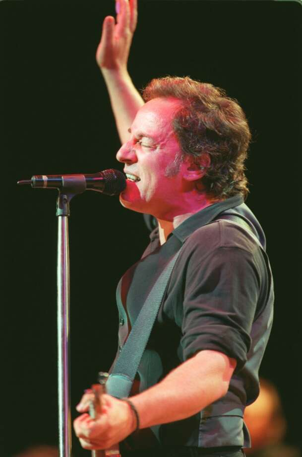 CONTACT FILED:  BRUCE SPRINGSTEEN Bruce Springsteen and the E Street Band reunion show at Compaq Center Tuesday April 18, 2000.   HOUCHRON CAPTION (04/20/2000):    Bruce Springsteen's concert Tuesday with the E Street Band electrified the Compaq Center crowd. Photo: Houston Chronicle
