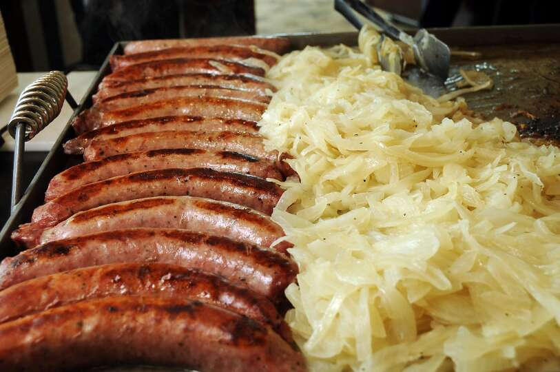 Traditional german dishes and beer like bratwurst and for Authentic german cuisine