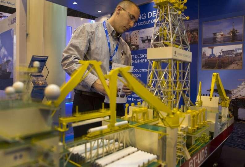 Matt Sanders of Houston takes a looks at the Bassoe Technology BT-UDS Ultra Deepwater Drillship mini