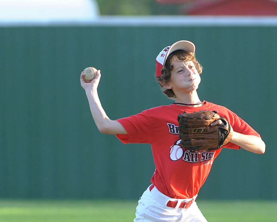 Bridge City Little League player, Ryne Shugart, 12, practices with the team in August 2009. Ryne is No. 1 on the 2014 Varsity roster. Photo: Valentino Mauricio / Beaumont