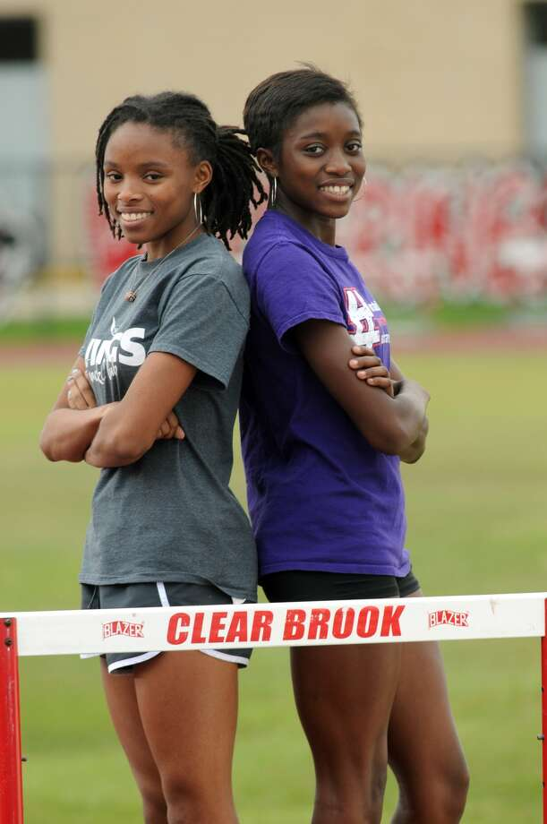 Maygen Smith, left, and twin sister Raygen, are headed to state. Photo: Jerry Baker, Freelance