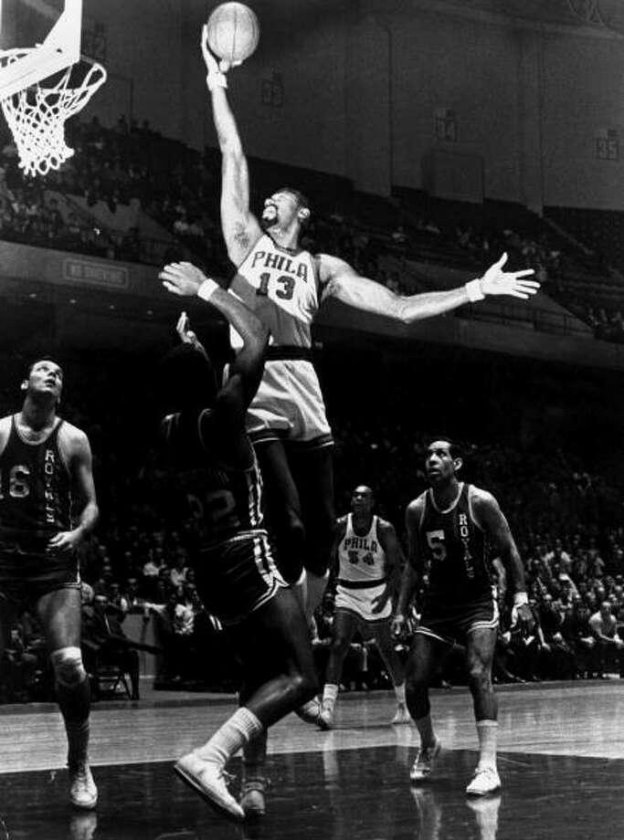 1959-60 — Wilt Chamberlain, Philadelphia Warriors Photo: NBA Photo Library, NBAE/Getty Images / 1960 NBAE