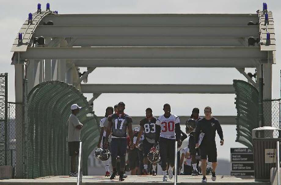 Texans arrive for minicamp on Tuesday. Photo: James Nielsen, Houston Chronicle