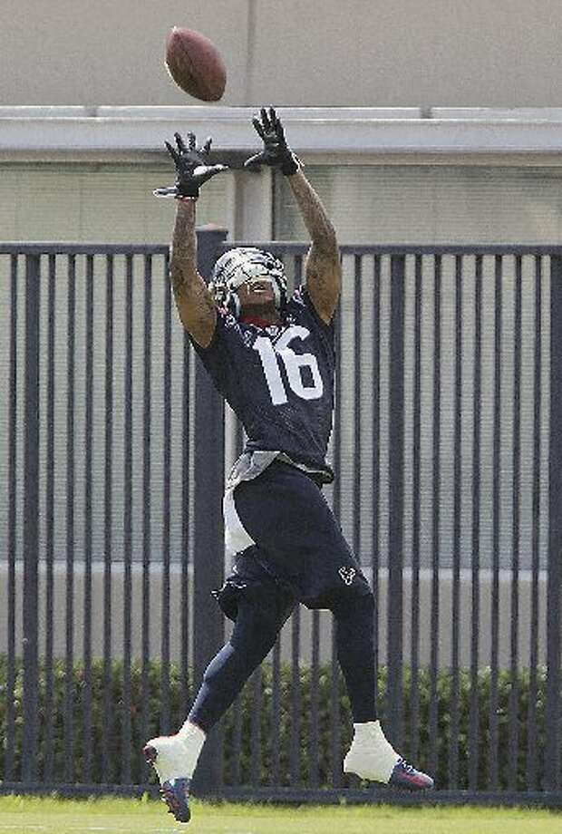 Texans wide receiver Alan Bonner pulls in a pass. Photo: James Nielsen, Houston Chronicle