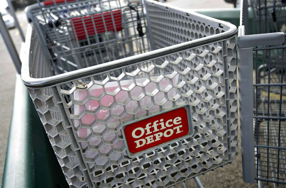 Office Depot will close stores because of an overlap of retail locations since its merger with OfficeMax. Photo: Daniel Acker, Bloomberg