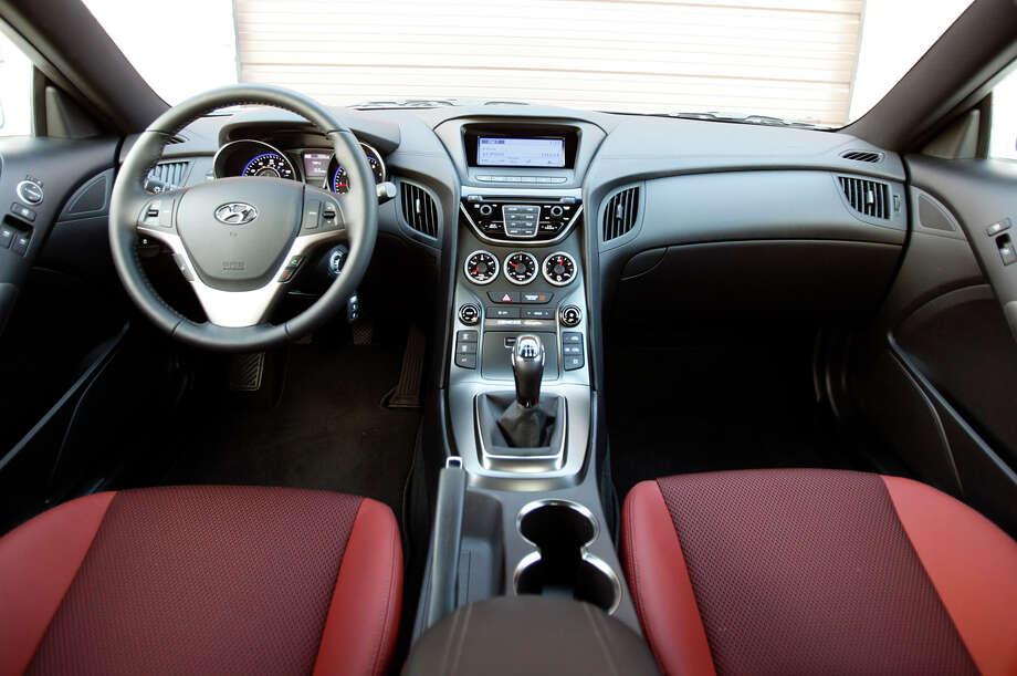 6. 2015 Hyundai GenesisMSRP: Starting at $38,000Source: AutoTrader