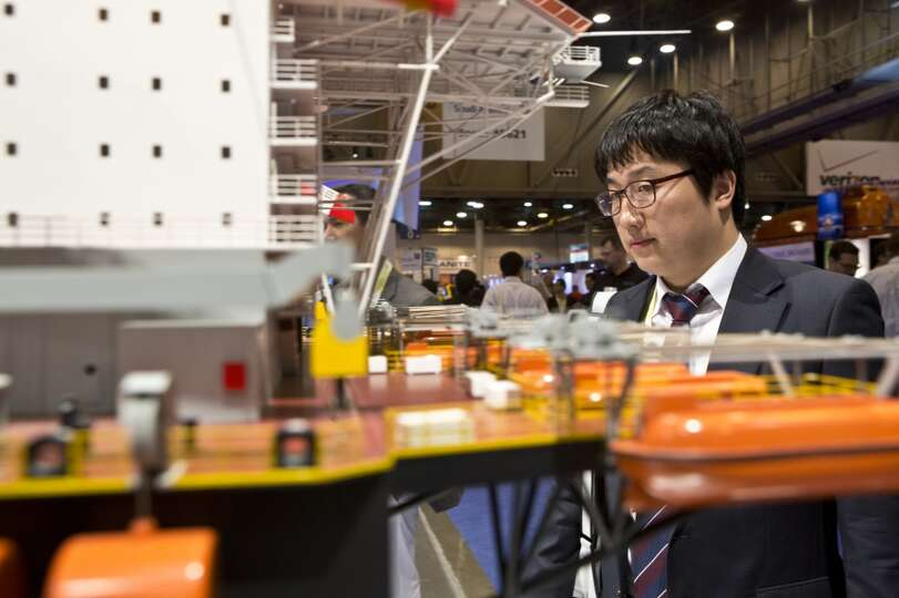Kyung-Hoon Lim studies the Saipem 7000, the world's second largest semisubmersible crane and pipelyi