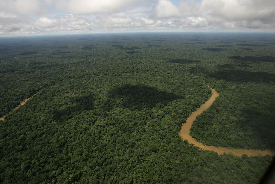 FILE - In this May 17, 2007, file photo, An aerial view of the Yasuni National Park, in Ecuador's northeastern jungle. Ecuador's electoral council on Tuesday May, 6. 2014, rejected as insufficient a petition drive calling for voters to decide whether to proceed with oil drilling in a pristine Amazon nature reserve as planned by President Rafael Correa. (AP Photo/Dolores Ochoa, File) Photo: Dolores Ochoa, Associated Press