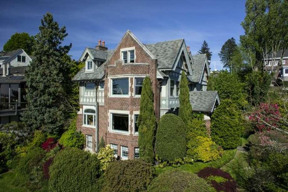 Exterior of 700 W. Lee St. Photo: Courtesy Jeffrey Valcik/Windermere Real Estate
