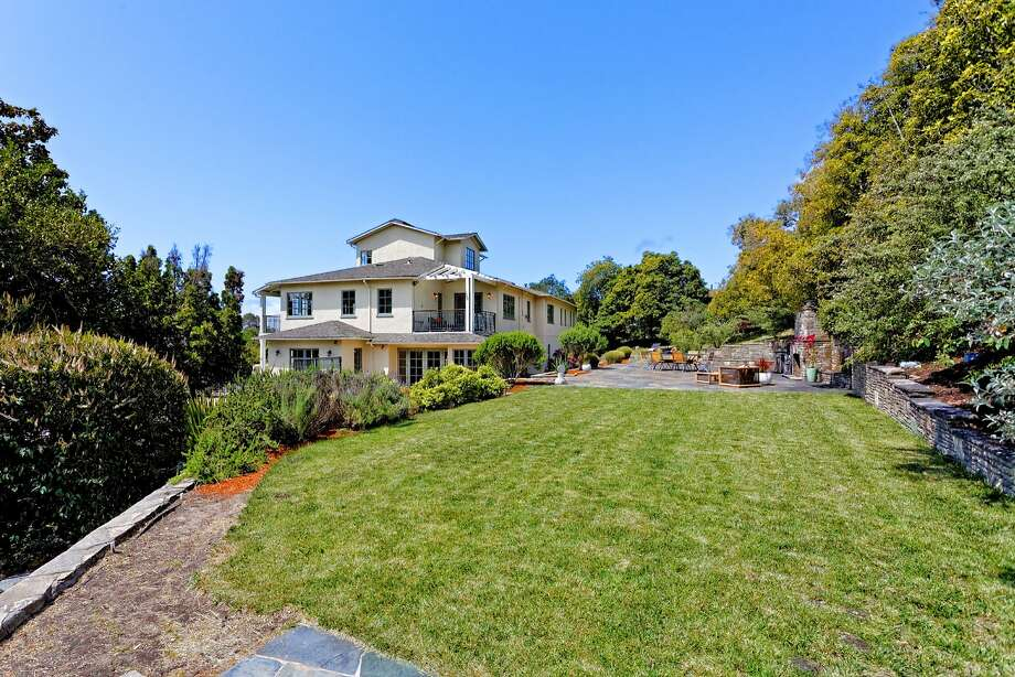 The backyard includes a level lawn. Photo: Richard Anderson/LucidPic Photog
