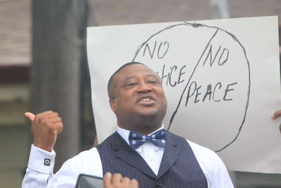 Houston activist Quanell X speaks Thursday at a protest in Hearne following a police officer's fatal shooting of a  93-year-old woman in her home. Photo: Cody Duty / Houston Chronicle