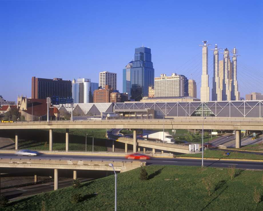 #10 – Kansas City, Kansas| Households with moms: 27.7% |  Average full-time income for women: $45,309 | Combined poverty rate: 45.9% | Annual childcare costs: $7,499 | CreditDonkey Relax Index: 32.3 Photo: VisionsofAmerica/Joe Sohm, Getty Images