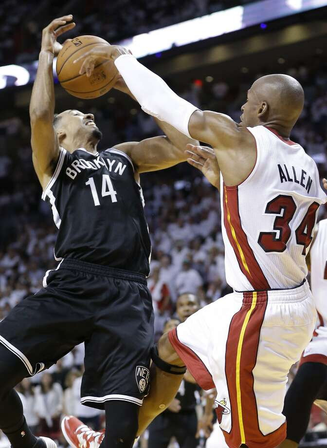 Ray Allen did more than score 13 points. Here he blocks Shaun Livingston's shot, and he had a eight rebounds. Photo: Wilfredo Lee, Associated Press
