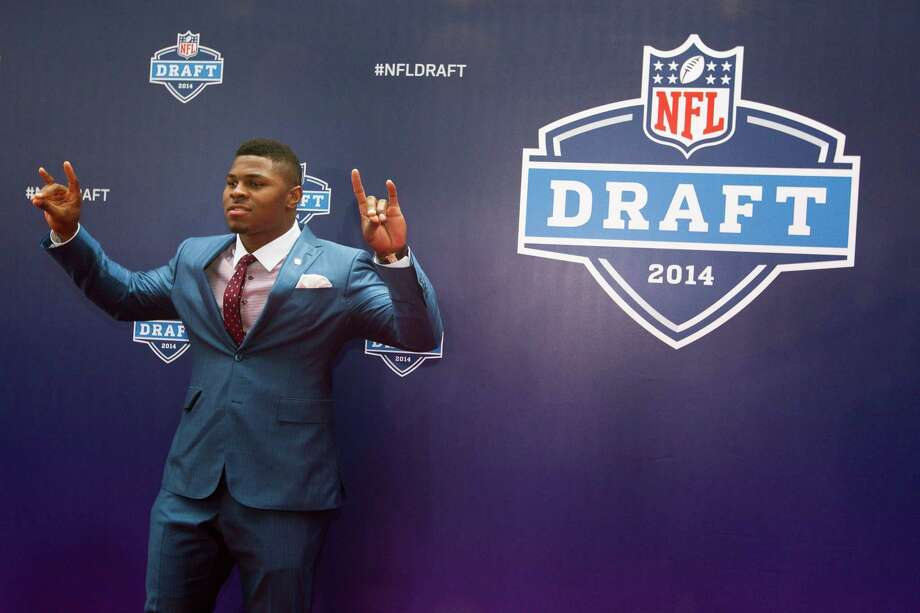 Khalil Mack, of Buffalo, poses for photos on the Red Carpet before the NFL Draft at Radio City Music Hall Thursday, May 8, 2014, in New York. Photo: Brett Coomer, Houston Chronicle / © 2014 Houston Chronicle