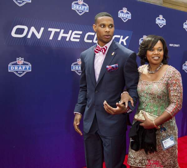 Jordan Matthews, of Vanderbilt, walks the Red Carpet with ...