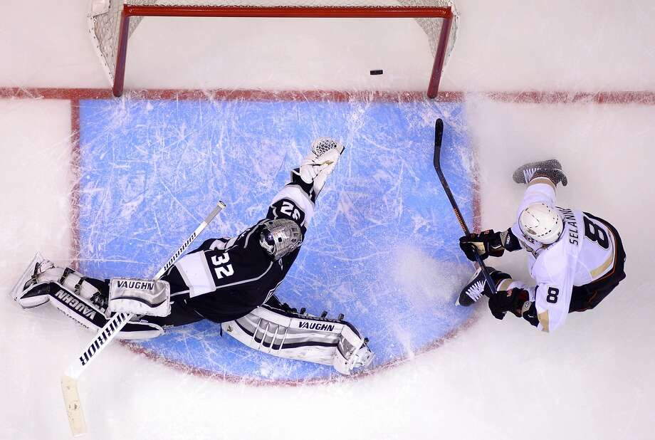 Ducks wing Teemu Selanne redirects Nick Bonino's pass past Kings goalie Jonathan Quick in the second period. Photo: Mark J. Terrill, Associated Press