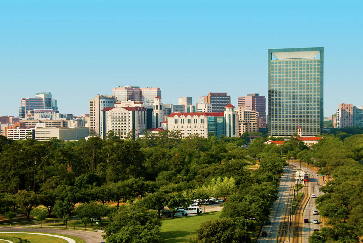 Skyline icons Along with downtown, Houston also has the Medical Center skyline, which is beautifully paired with the greenery of Rice University and Hermann Park.