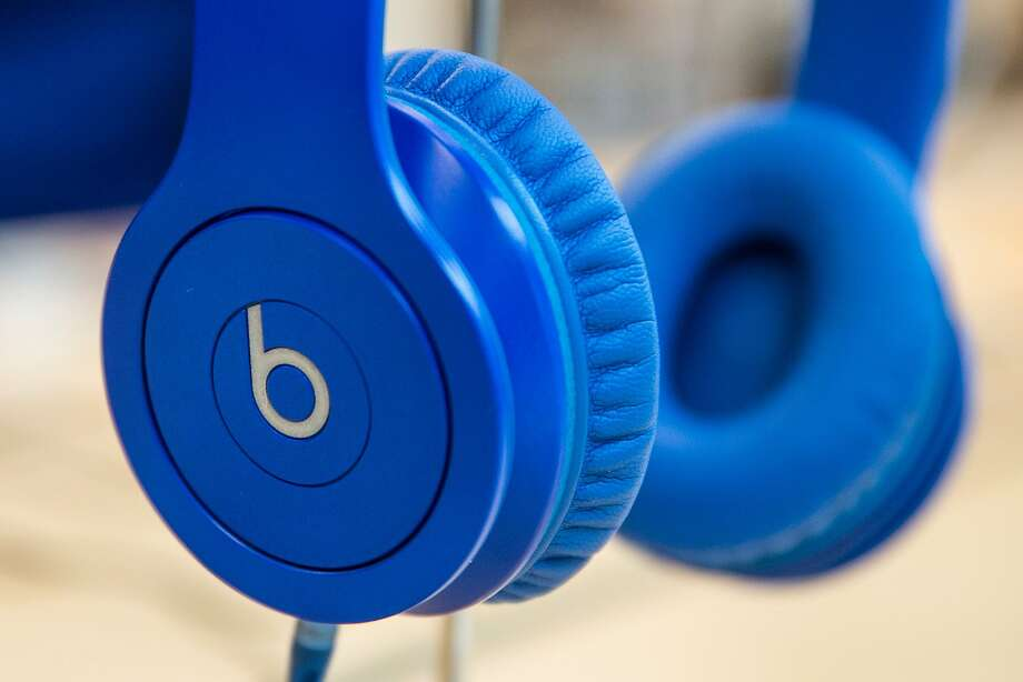Apple reportedly wants to buy headphone maker and streaming-music service Beats for $3.2 billion. Photo: Andrew Burton, Getty Images