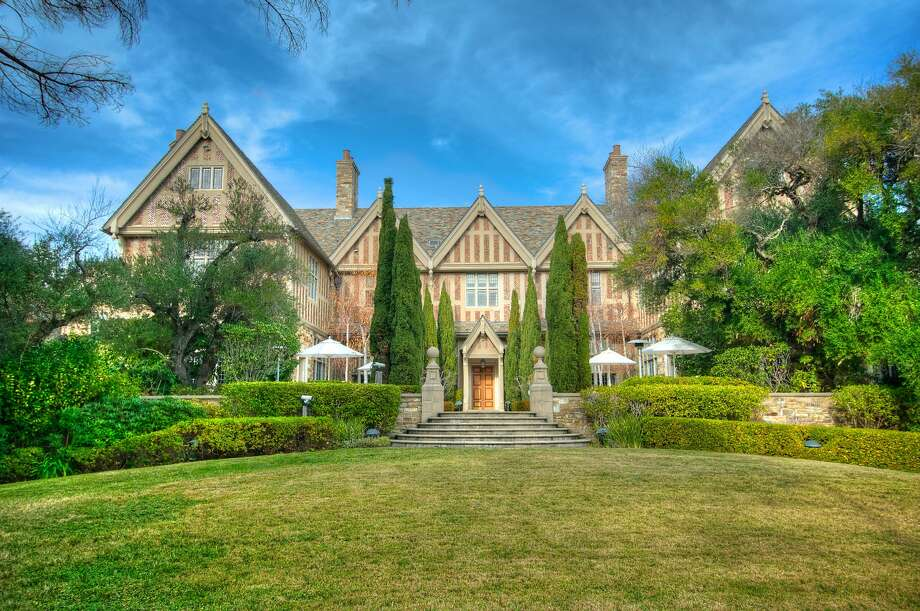 40 Verabalee Lane in Hillsborough is a tudor mansion constructed in 1932.Ê Photo: Matt McCourtney/McCourtney Photo