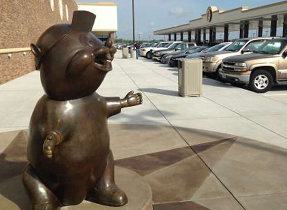 Buc-ee's opened its 60,000-square-foot Texas City outpost just off Interstate 45 South. Photo: Craig Hlavaty / Houston Chronicle / Houston Chronicle
