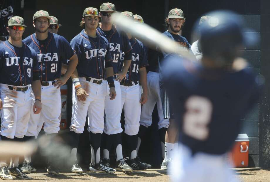 The UTSA bench watches as teammate John Welborn hits a first-inning home run against Rice during Conference USA college baseball action on Saturday, May 10, 2014. Photo: San Antonio Express-News