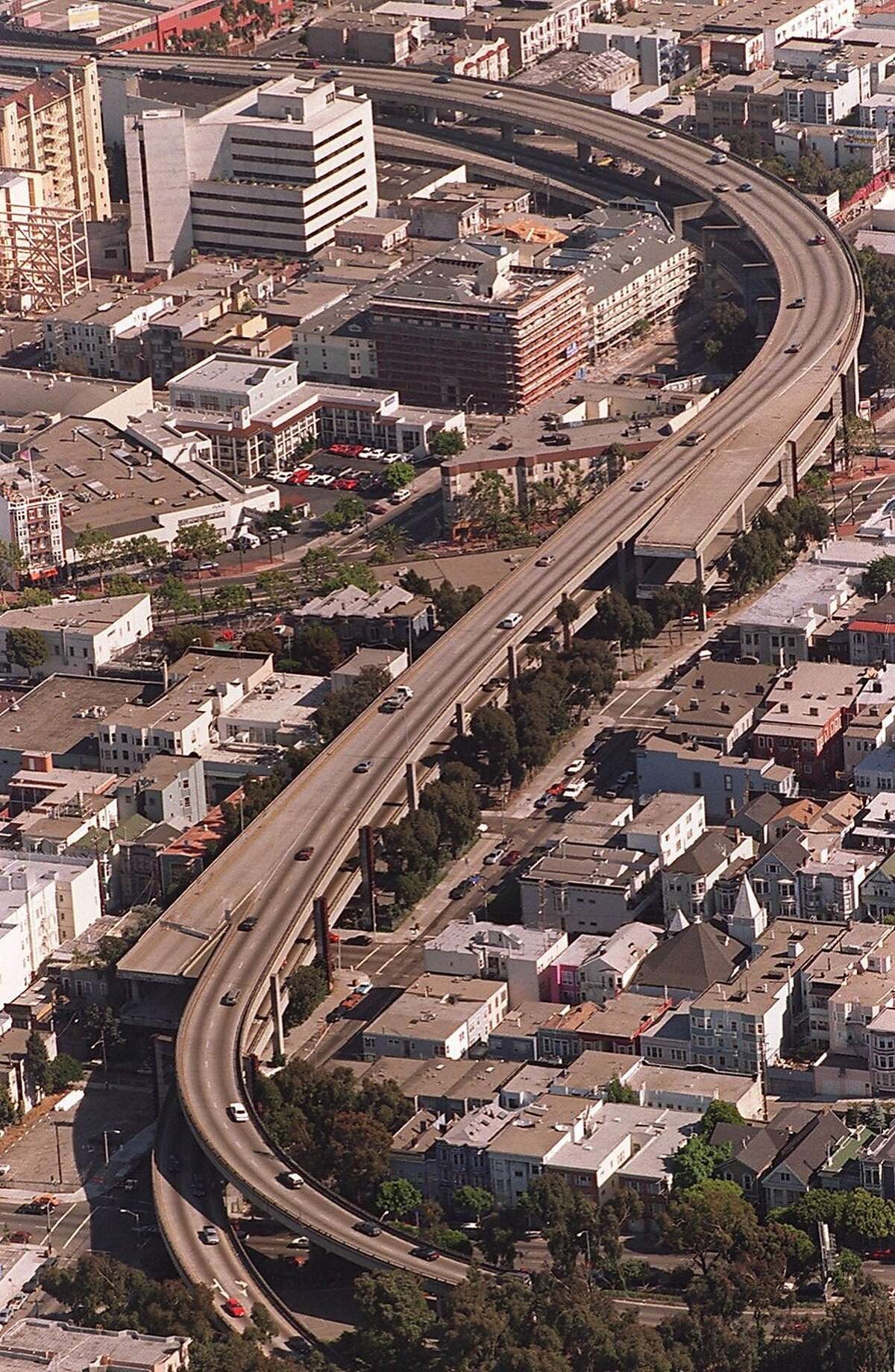 CENTRAL3/C/14AUG96/MN/MACOR The Central Freeway at the point where it currently ends at Fell Street, (bottom). Chronicle Photo: Michael Macor