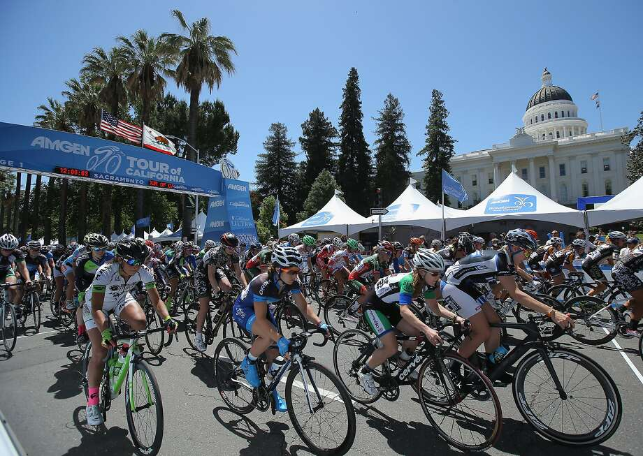 And they're off! The women's peloton launches from the starting gate in Sacramento. Photo: Doug Pensinger, Getty Images