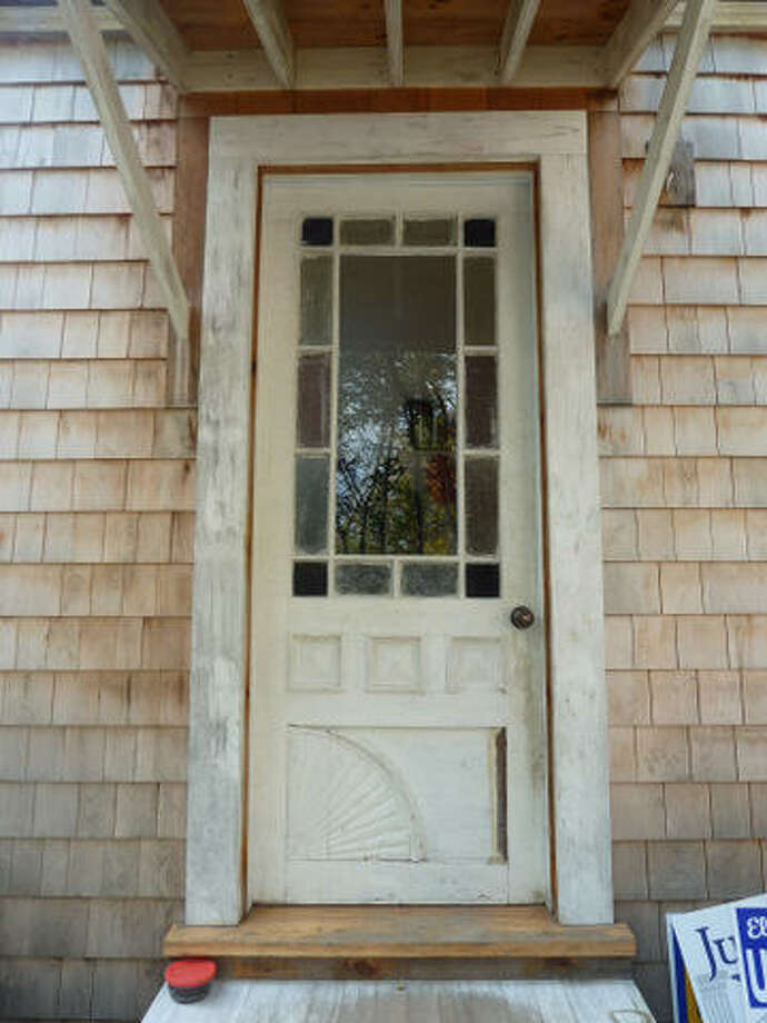 Before: All this side door needed to be beautiful again was hard work and a little paint. Read more about this project.