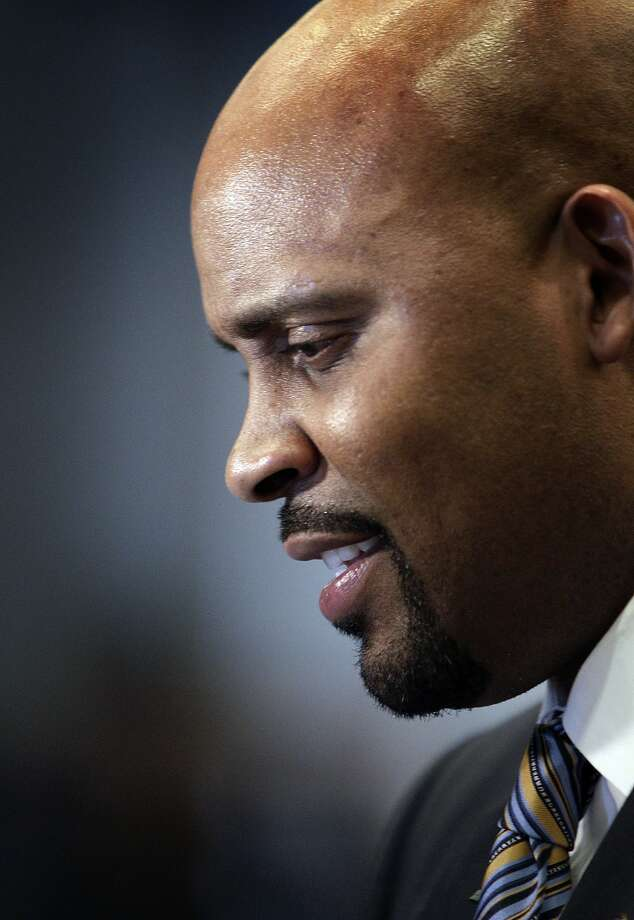 Cuonzo Martin Photo: Carlos Avila Gonzalez, The Chronicle