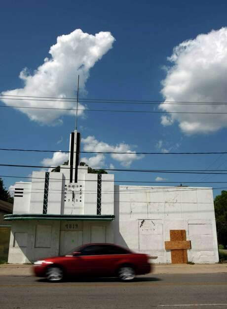 The clock that was part of the art deco former Sterling Laundry site is to be moved across the street to Eastwood Park. Photo: Johnny Hanson, Staff / Houston Chronicle