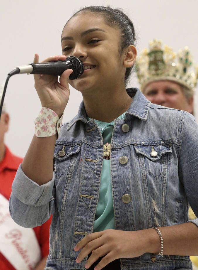"Isabel Marie Sanchez, 11, a fifth-grader at Maverick Elementary School, belts out ""La Malagueña."" Photo: John Davenport / San Antonio Express-News / ©San Antonio Express-News/John Davenport"