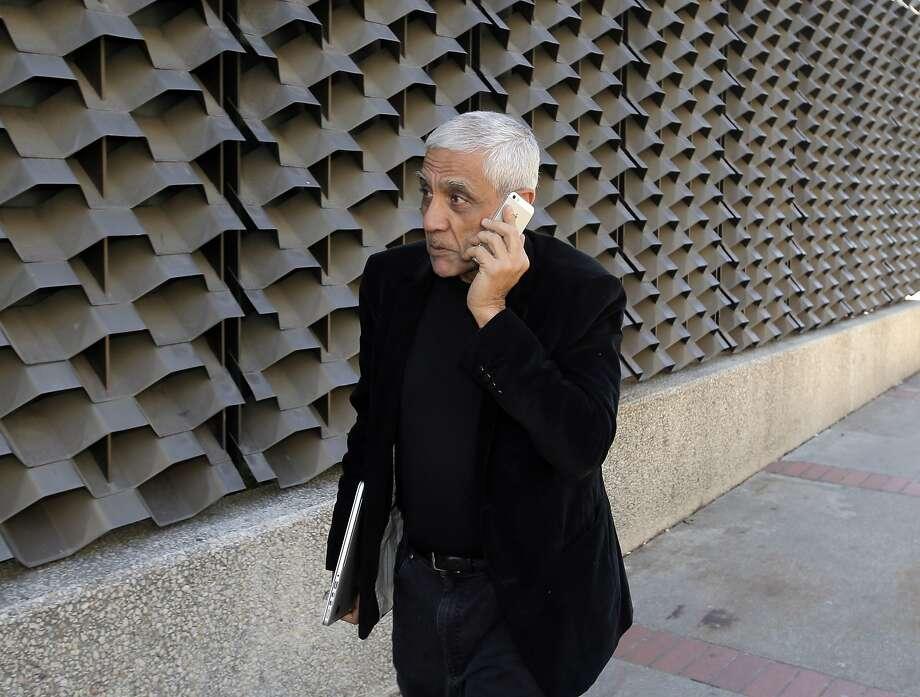 Billionaire Vinod Khosla says doctors can't compete with data technology. Photo: Carlos Avila Gonzalez, The Chronicle