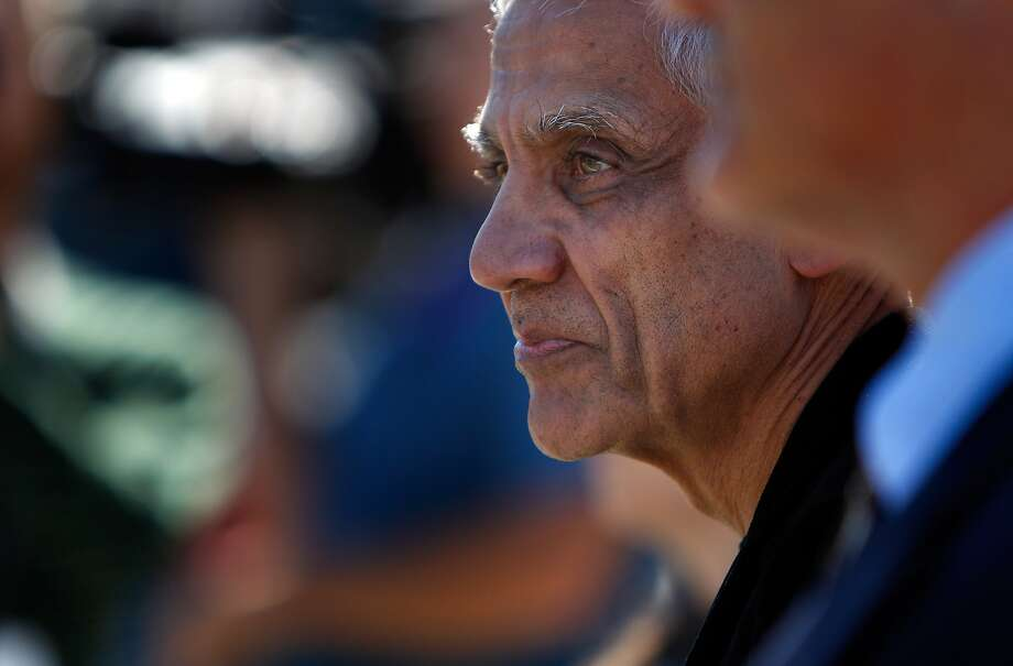 Vinod Khosla arrives at San Mateo County court to testify in the suit over beach access. Photo: Carlos Avila Gonzalez, The Chronicle