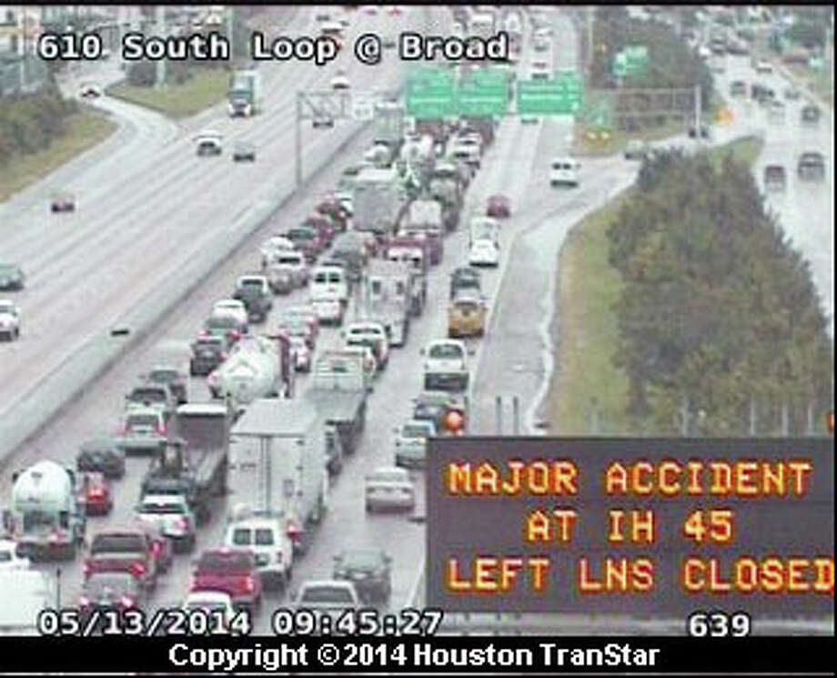Traffic backs up along the I-610 South Loop at Broad on Tuesday morning because of an major wreck at I-45. Photo: Houston TranStar