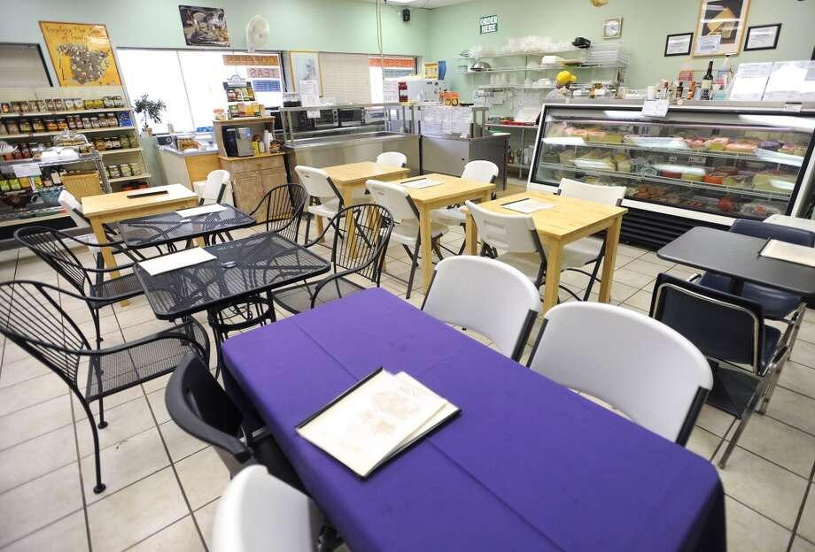 Dinning room at Abbie's Import's in Beaumont 5335 Fannett Road Photo taken Wednesday, July 8, 2012 Guiseppe Barranco/The Enterprise Photo: Guiseppe Barranco, Guiseppe Barranco/The Enterprise