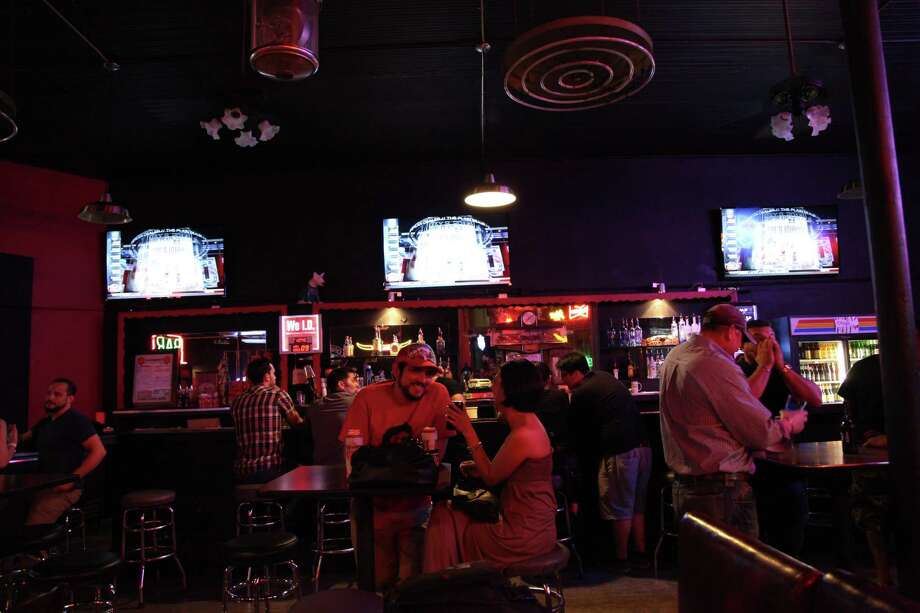 Bar America announced Tuesday on Facebook that it is closing until further notice to prevent any spread of the coronavirus to its customers or employees. Photo: Xelina Flores-Chasnoff / For the Express News