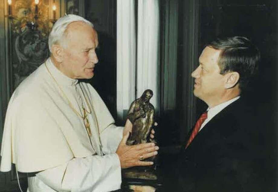 Bob Pack of Sugar Land meets Pope John Paul II on a visit to Rome in October 1989.Bob Pack of Sugar Land meets Pope John Paul II on a visit to Rome in October 1989.