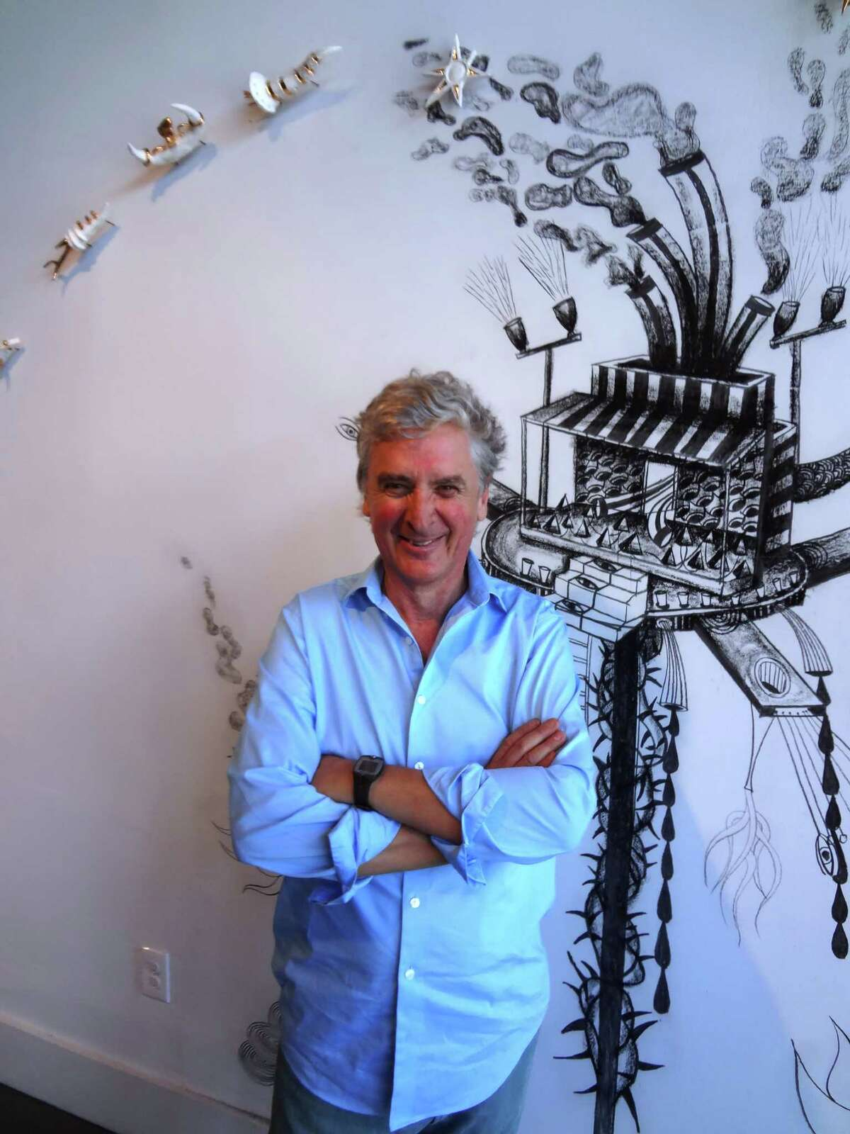 Argentinian artist Nicolas Leiva created a wall drawing and ceramic sculpture work at Ruiz-Healy Art.