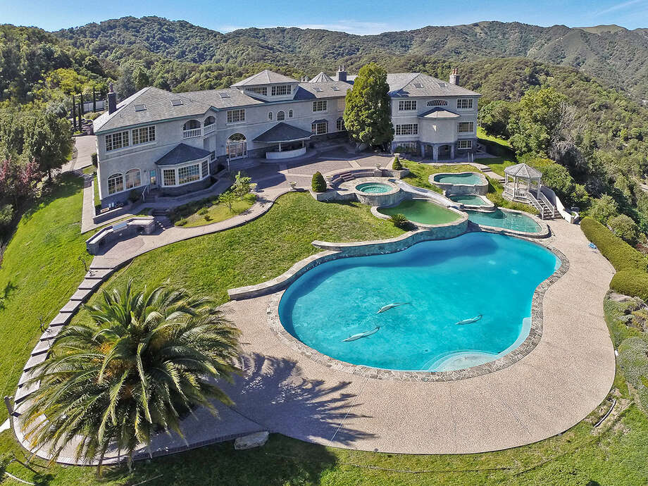 Another photo from Novato, California. Photo: OpenHomesPhotography.com/Courtesy